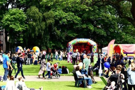 Crowds 08